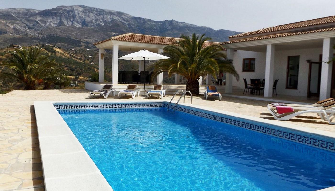 Slide1 - Casa Karina Pool